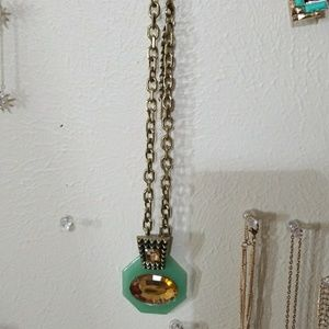 NWOT Jewelmint necklace